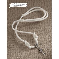 Collier blanc